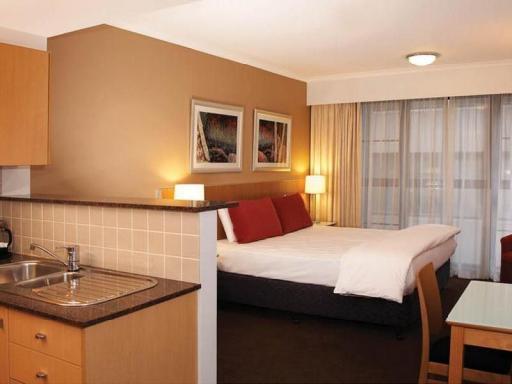 ➦  TFE Hotels    customer rating