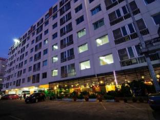 Centric Place Hotel