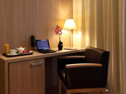 Hotel Lleo hotel accepts paypal in Barcelona