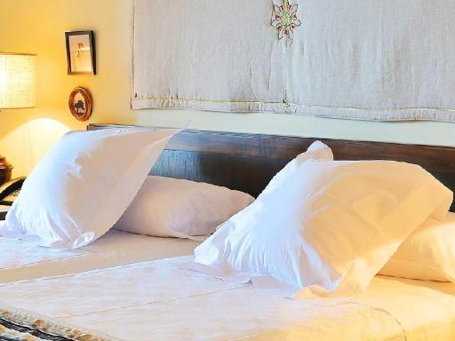 ➦  Vincci Hoteles    customer rating