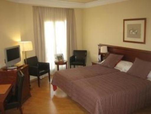 ➦  Melia International Hotels    (Valenciana) customer rating