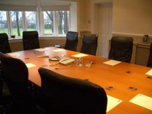 Alton Lodge Chester - Sala de reuniones