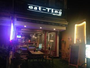 eat-Ting Cafe' & Hostel - Bangkok