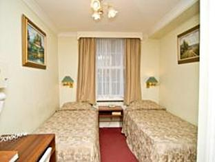 St George's Victoria Hotel London - guest room