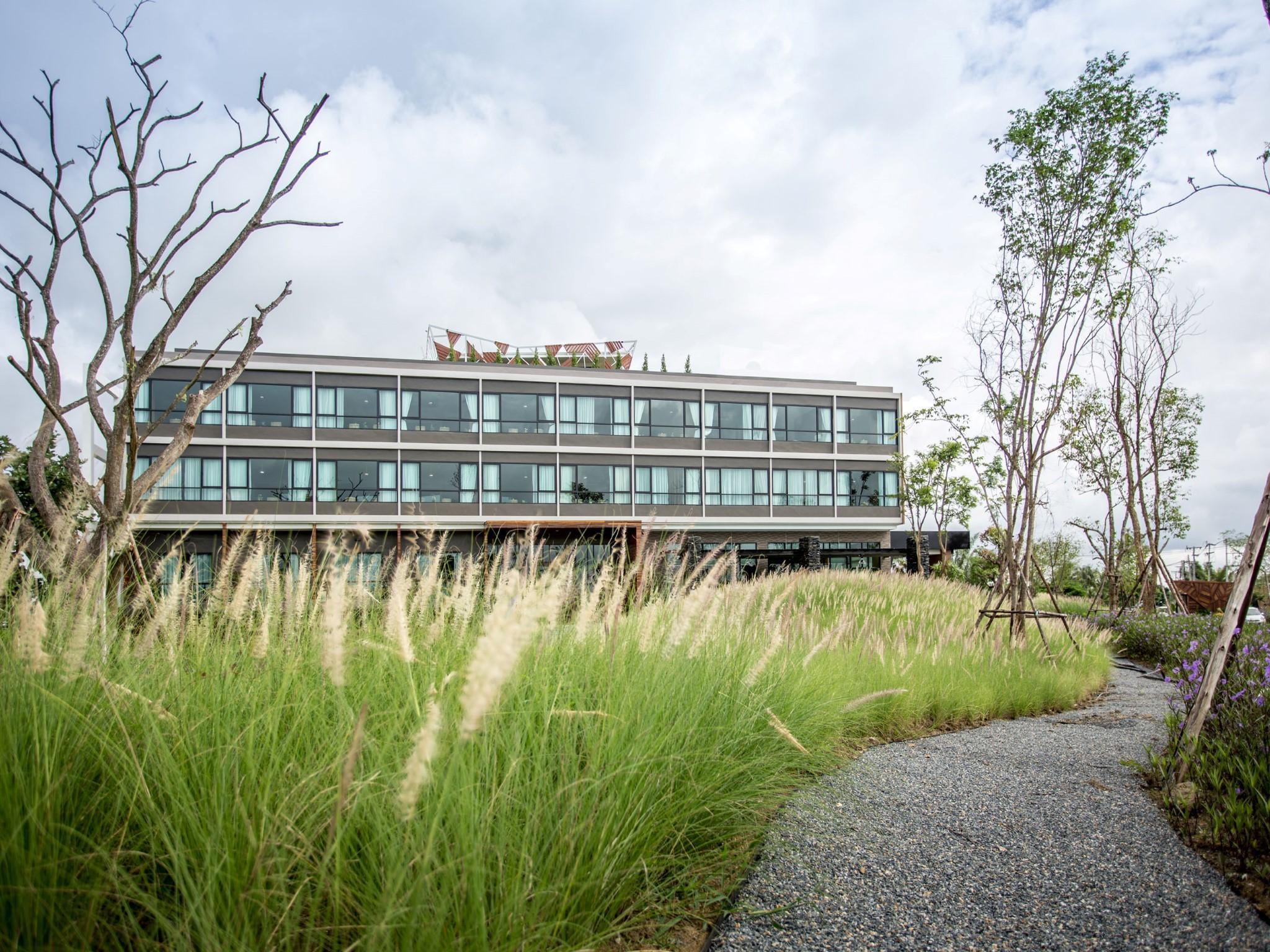 North Hill City Resort,นอร์ท ฮิลล์ ซิตี้ รีสอร์ต