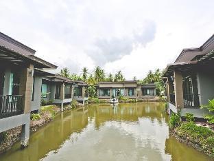 タダ アンパワー リゾート Thada Amphawa Resort