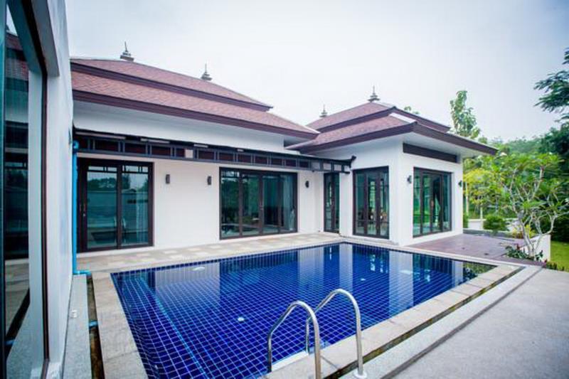Buabaan Villa by Kalayanuwat