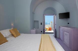 Caldera Edge Suites