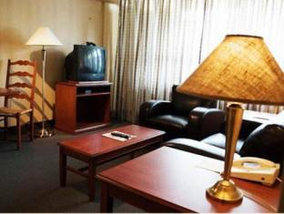 Town Inn Furnished Suites टोरंटो (ON) - सुइट कक्ष