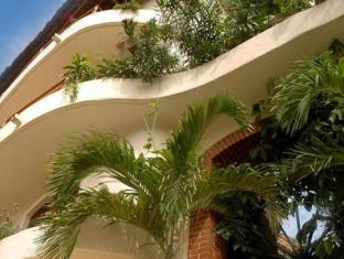 Villas Sacbe Condo Hotel