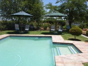 Hoopenburg Guesthouse and Venue Stellenbosch - Swimming Pool