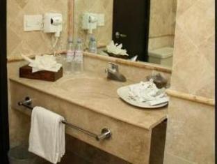 Ramada Aeropuerto Mexico Hotel Mexico City - Bathroom