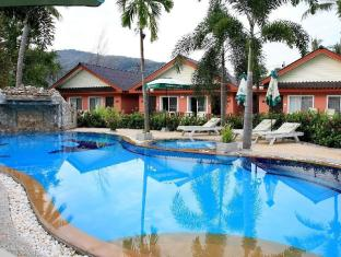 Andaman Seaside Resort Phuket - Zwembad