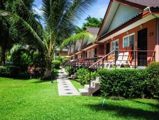 Andaman Seaside Resort Phuket - Omgeving
