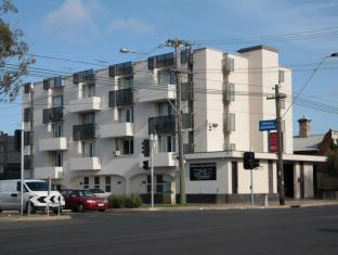 Parkville Place Apartments Hotel