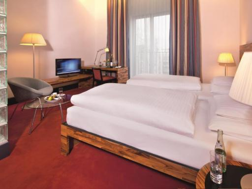 ➦  Moevenpick Hotels & Resorts    (Berlin) customer rating