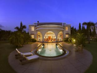 The LaLiT Golf & Spa Resort Goa Syd Goa - Hotellet udefra