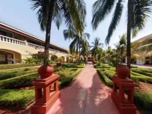 The LaLiT Golf & Spa Resort Goa Южен Гоа - Вход