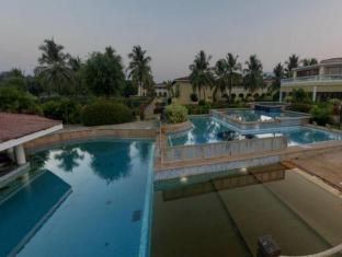 The LaLiT Golf & Spa Resort Goa Goa Selatan - Kolam renang