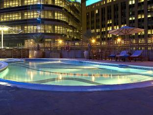 City Seasons Suites Dubai - Swimming Pool
