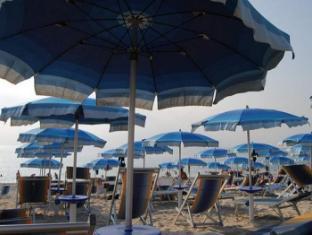 Hotel Scoglio Del Leone Zambrone - Beach