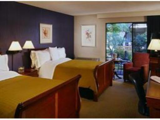 ➦  Starwood Hotels & Resorts Worldwide    (California) customer rating