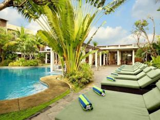 Kokonut Suites Hotel Bali - Swimming Pool