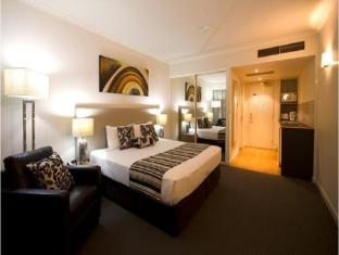 Central Cosmo Apartments Brisbane - Studio Apartment