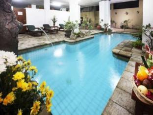 ホテル ラトナ バリ島 - プール