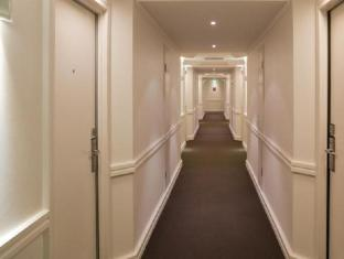 Hotel Grand Chancellor Adelaide on Hindley Adelaide - Hallway