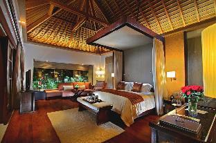 Royal Santrian Luxury Beach Villas
