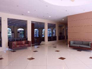 EGI Resort and Hotel Mactan Island - Lobby