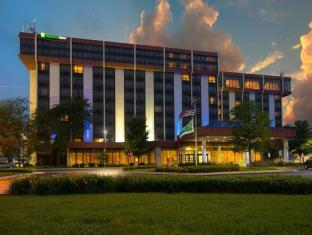 Holiday Inn Express Hotel & Suites Chicago OHare