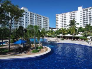 JPark Island Resort and Waterpark Mactan Island - Yüzme havuzu