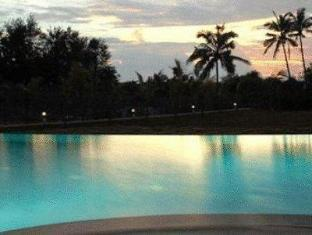 The O Resort and Spa North Goa - Swimming Pool