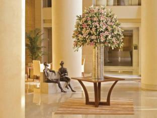 โรงแรมไทรเด้นท์ บันดรา คูร์ลา มุมไบ - ล็อบบี้