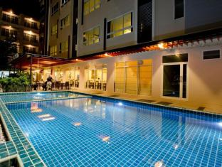 Sinsuvarn Airport Suite Bangkok - Swimming Pool