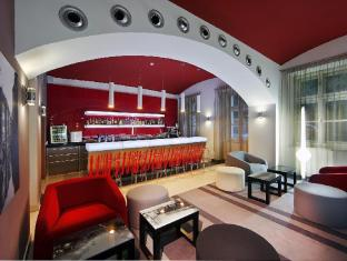 Red & Blue Design Hotel Prague Prague - Pub/Lounge