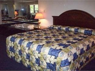 Super 8 North of the Falls Niagara Falls (ON) - Guest Room