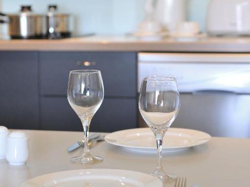 ➦  Metro Hotels    customer rating