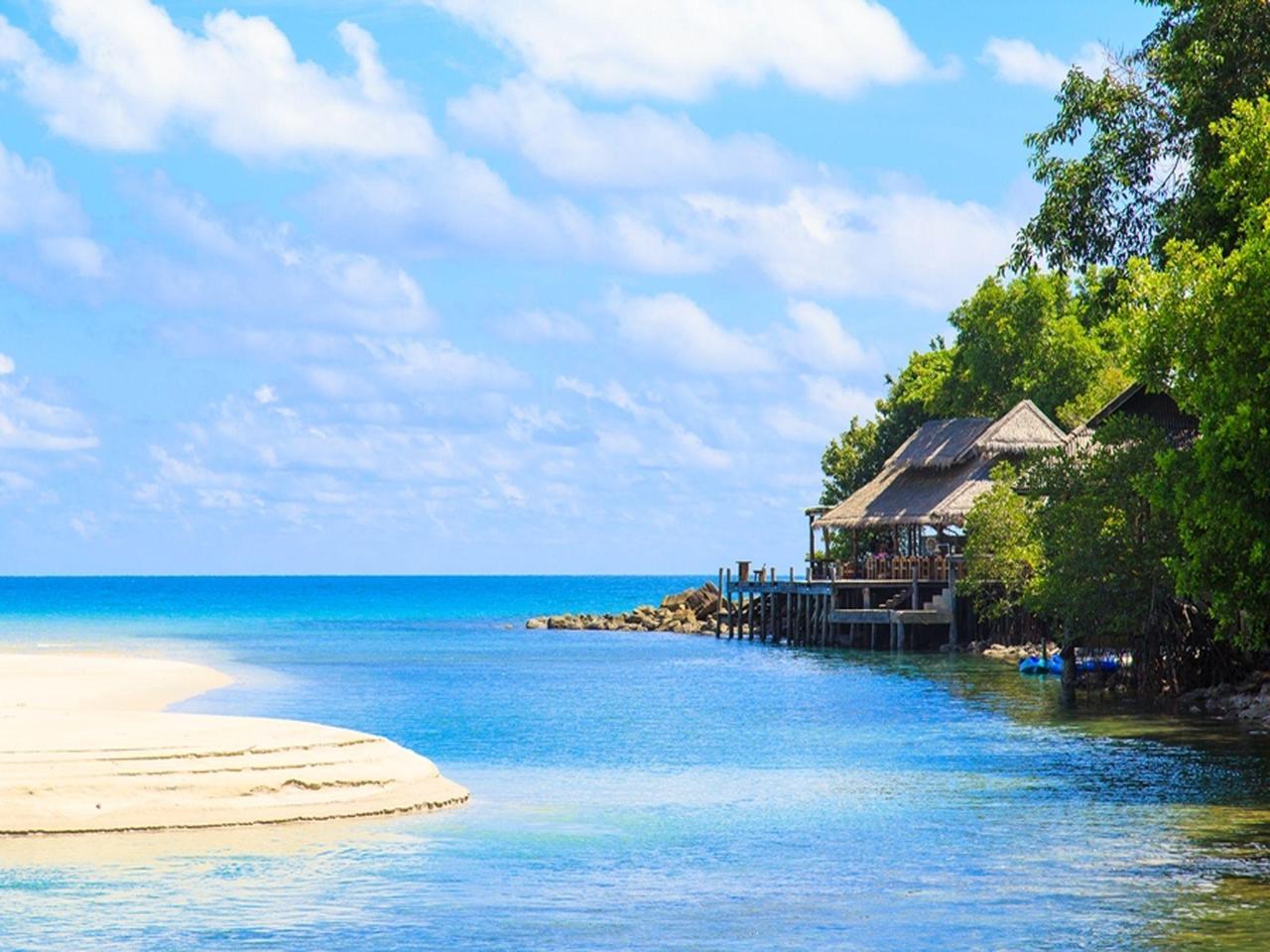 กัปตันฮุก รีสอร์ท (Captain Hook Resort)