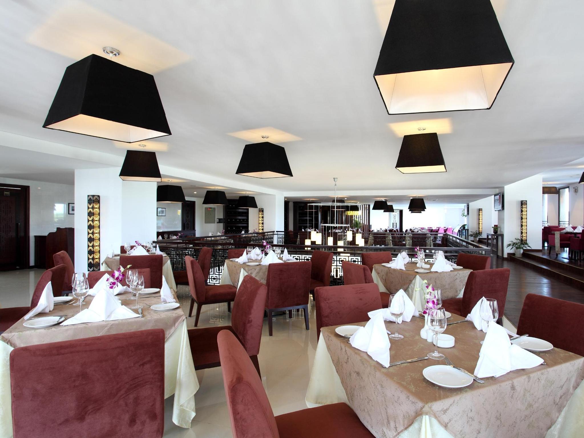 Hotel 7 BR Oceanfront Villa in Seminyak - Badung Bali 80361 Indonesia - Bali