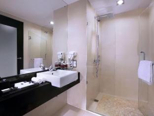 Grand Aston City Hall Hotel & Serviced Residences Medan - Kylpyhuone