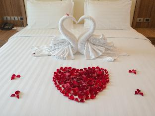 V Residence Hotel and Serviced Apartment discount