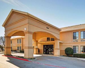 Quality Inn & Suites DFW Airport South