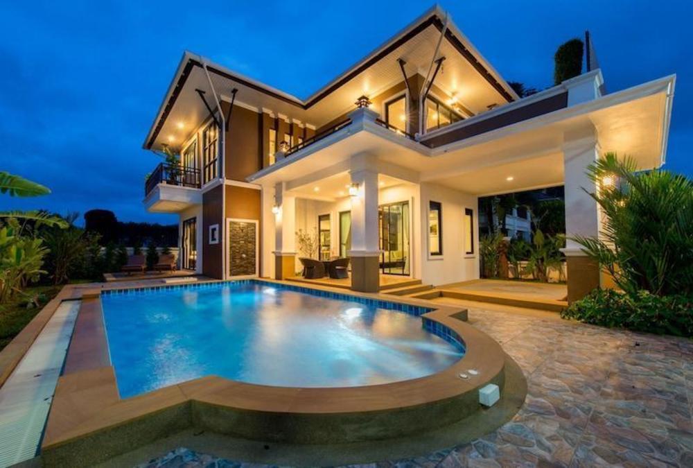 The sea aonang pool villa
