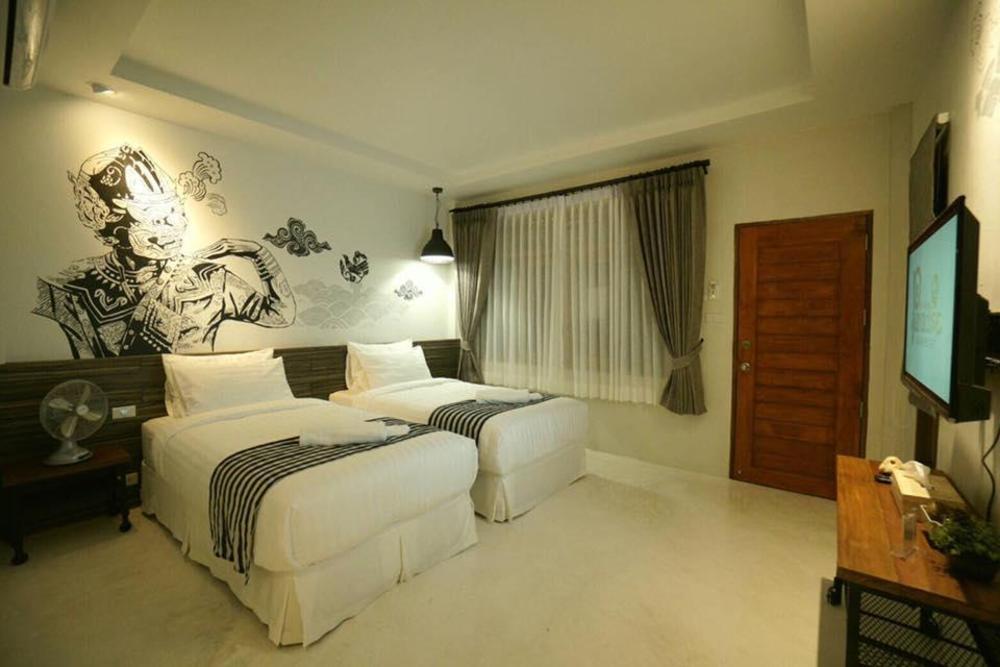 Koh Ngai Paradise Beach Resort