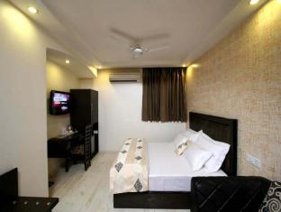 Kingston Park Hotel New Delhi and NCR - Guest Room