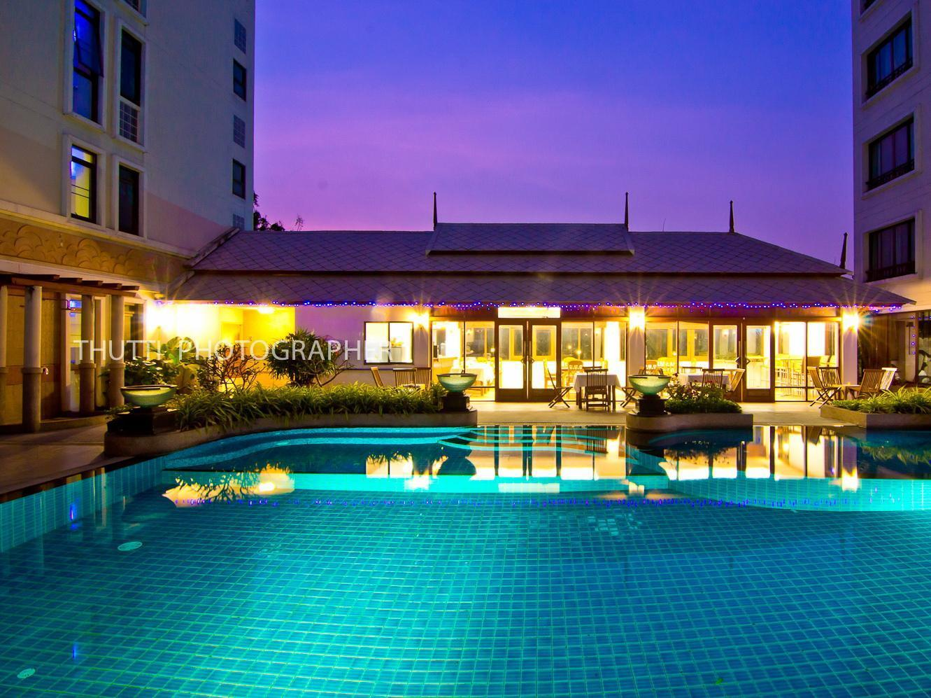 Hotel Murah di Bang Na Bangkok - Lasalle Suites and Spa