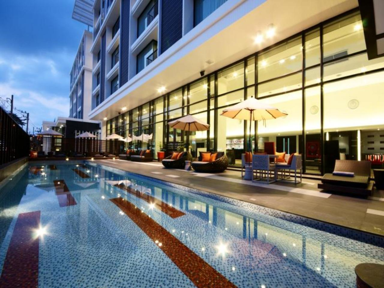 โรงแรมทีซิกซ์ตี้ไฟว์ (Tsix5 Hotel)